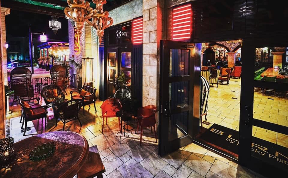 Burn cigar Lounge Naples escort
