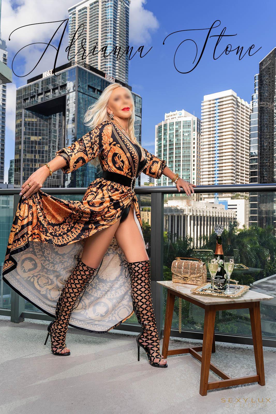 Blonde Miami escort