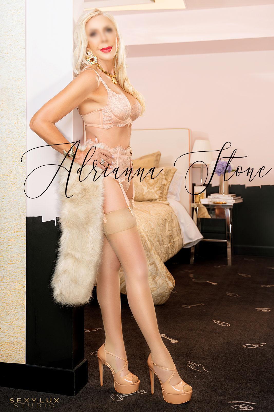 Blonde escort in Miami